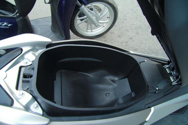 Cốp chứa đồ của NM-X