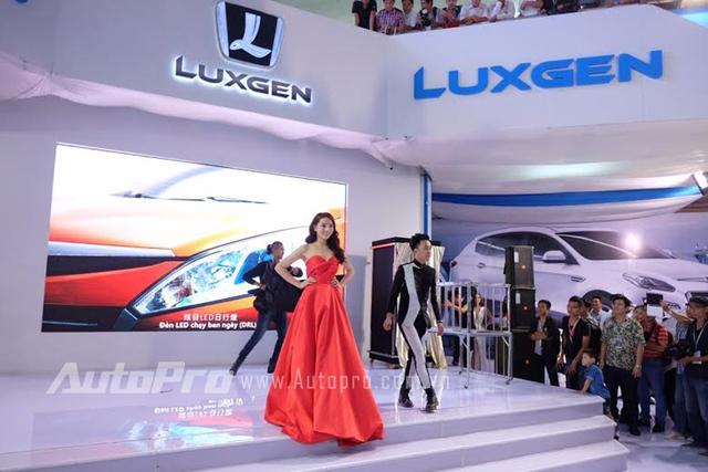 HHVN 2014 - Nguyễn Cao Kỳ Duyên - chỉ xuất hiện tại VIMS 2015 ở vai trò khách mời trong ngày đầu tiên của gian hàng Luxgen.