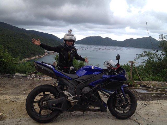 Tô Cẩm Linh nổi tiếng trong giới biker gần đây với cuộc độc hành xuyên Việt.