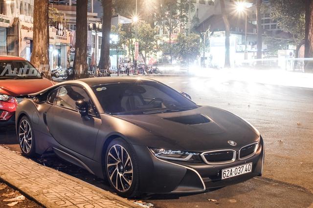 BMW i8 của thiếu gia Long An từng gây xôn xao trong giới chơi xe khi là chiếc thứ 3 xuất hiện tại Việt Nam, sau 2 chiếc đầu tiên của Phan Thành và bà chủ quán cà phê tại quận 7. Từ đây, vị thiếu gia này bắt đầu nổi tiếng trên mạng xã hội.