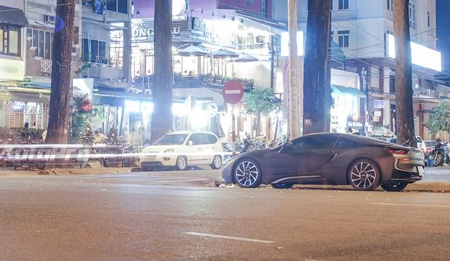 Ngoài BMW i8, thiếu gia Long An còn sở hữu chiếc SUV hạng sang Range Rover và nhiều xe phân khối lớn đình đám.