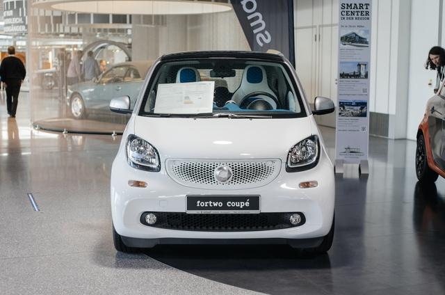Mercedes-Benz có phần tham lam khi sản xuất từ xe gia đình cho đến ô tô thể thao và xe chuyên dụng.