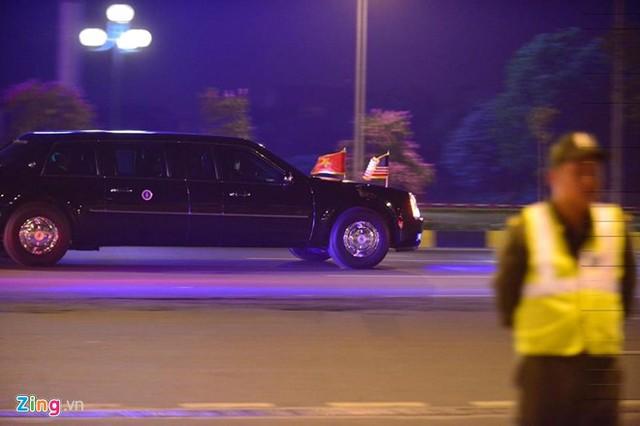 Chưa tới nửa giờ, đoàn xe đã đưa Tổng thống Mỹ vượt quãng đường 30 km từ sân bay về tới khách sạn Marriott.