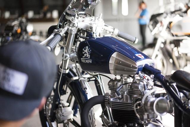 Chiếc Triumph độ của hãng Iacona Custom Cycles. Được thành lập tại Anh, Triumph đã bắt tay vào sản xuất mô tô từ năm 1902.