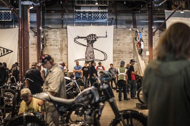 Đây là lần thứ ba triển lãm mô tô chế tạo thủ công được tổ chức. Triển lãm không được chia thành các gian trưng bày của từng nhãn hiệu hay loại xe cụ thể. Thay vào đó, những chiếc xe độc nhất vô nhị hay mô tô BMW, Harley-Davidson và Honda độ điên rồ được trưng bày lẫn với nhau.