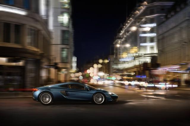 Mức giá dự kiến của McLaren 570GT là 198.950 USD, tức là khoảng 4,45 tỷ Đồng, tại châu Âu.