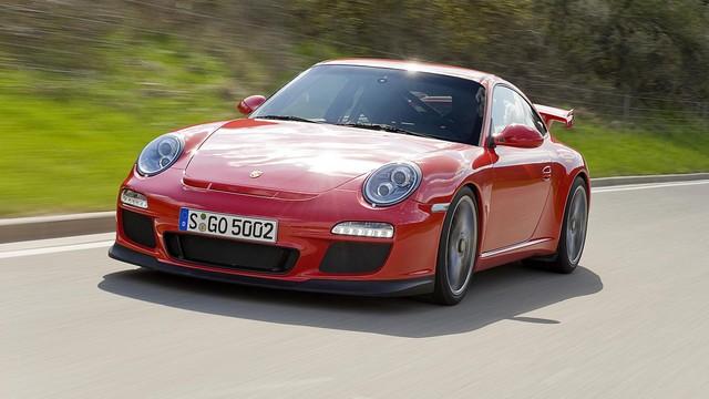 Porsche 911 GT3 (997) – 7 phút 40 giây. Với 1 đời xe mới, Panamera đã vượt cả GT3 của thế hệ trước. Nếu Porsche vẫn tiếp tục tốc độ phát triển như thế này thì trong tương lai, một chiếc Boxster có khi còn nhanh ngang ngửa 918.