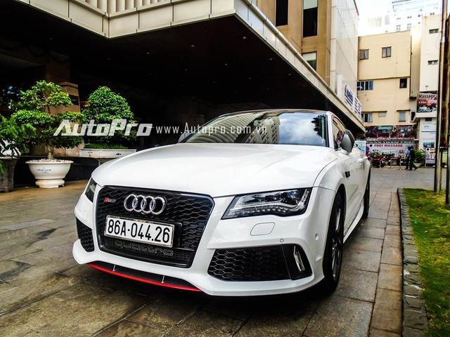 Được biết xế độ ở Sài Gòn trước khi được gã về cho người chơi xe tại Bình Thuận. Theo giới thạo tin, đây là chiếc Audi A7 Sportback duy nhất tại thị trường Việt Nam được lên đời ngoại thất RS7.