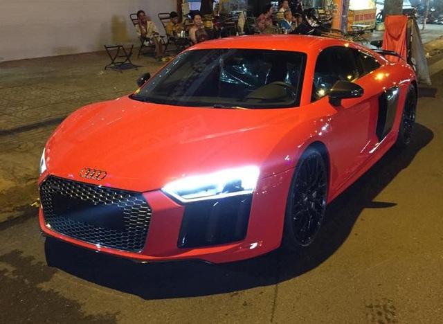 Audi R8 V10 Plus mà Phan Thành vừa thu nạp do công ty nhập khẩu tư nhân tại quận 5 đưa về nước. Ảnh: Huracan