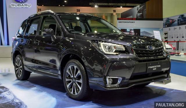 Tại thị trường Thái Lan, Subaru Forester 2016 được chia thành 3 bản trang bị là tiêu chuẩn 2.0i, 2.0i-P và 2.0 XT.