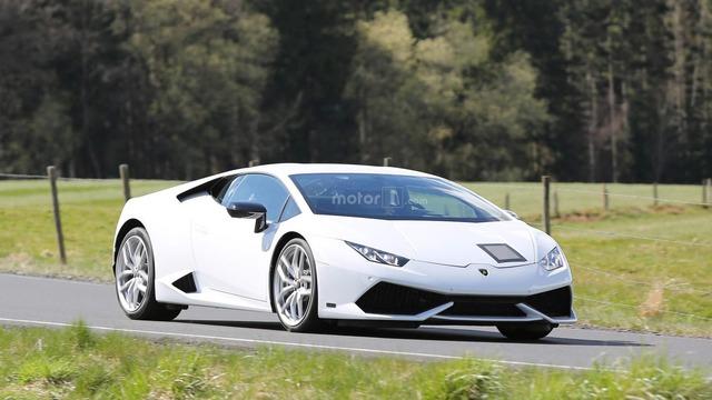 Lamborghini Huracan được cho là phiên bản Superleggera xuất hiện trên đường thử.
