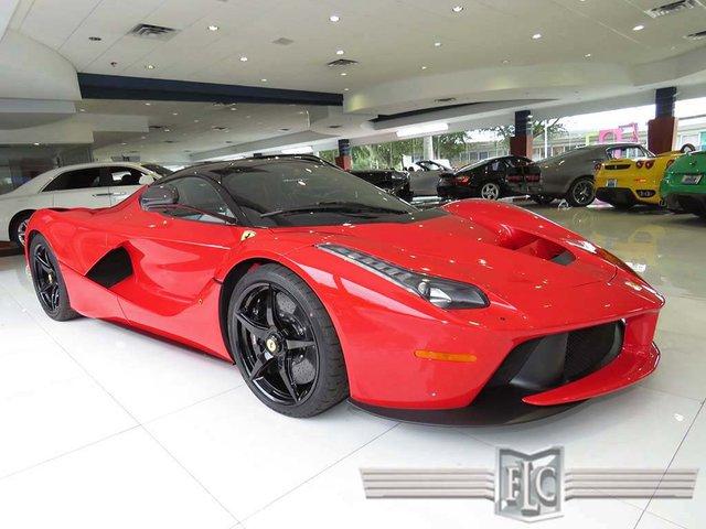 Chiếc siêu xe Ferrari LaFerrari này đang được rao bán tại Mỹ với giá lên đến 4,7 triệu USD, tương đương 104,8 tỷ Đồng.