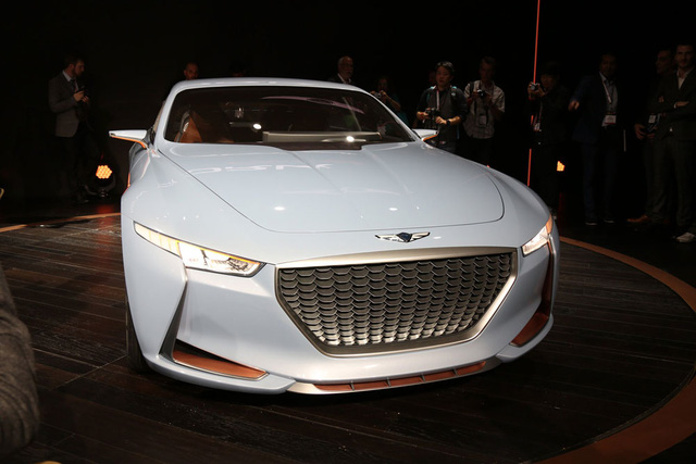 """Tương tự Vision G Coupe Concept và G90, Genesis New York Concept cũng được áp dụng ngôn ngữ thiết kế """"Athletic Elegance""""."""
