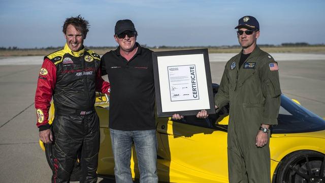 Với thành tích này, Hennessey Venom GT Spyder đương nhiên trở thành siêu xe mui trần chạy nhanh nhất thế giới. Đây rõ ràng là món quà kỷ niệm không thể ý nghĩa hơn dành cho hãng Hennessey Performance.
