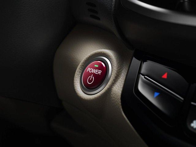 Tiếp đến là chế độ Hybrid Drive với cầu trước được truyền động bằng mô-tơ trong khi máy xăng đóng vai trò như máy phát điện.
