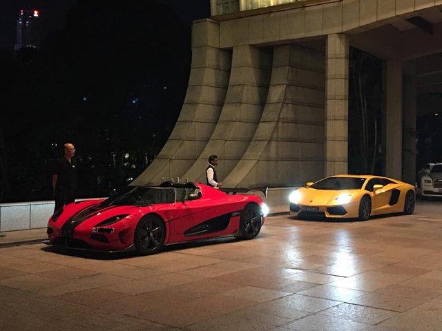 Siêu xe Koenigsegg Agera RS sánh đôi cùng Lamborghini Aventador tại Singapore.
