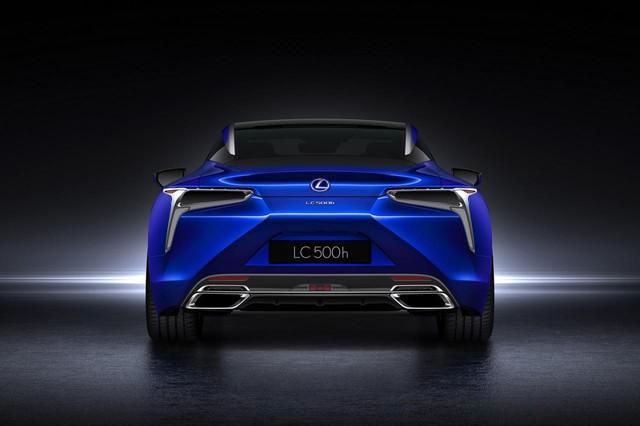 Theo hãng Lexus, cụm pin của LC 500h nặng 50 kg. Cụm pin nối với mô-tơ điện trọng lượng thấp mới phát triển và có kích thước nhỏ gọn hơn.