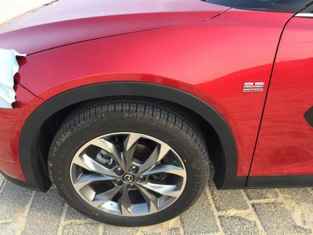 Bộ vành của Mazda CX-4 có kích thước 17 inch tiêu chuẩn và 19 inch tùy chọn với thiết kế giống CX-5.