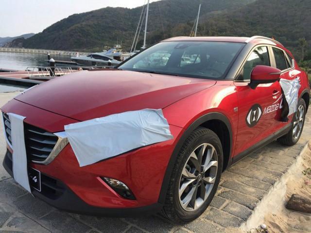 Theo giới truyền thông Trung Quốc, Mazda CX-4 sẽ sử dụng 2 loại động cơ khác nhau. Đầu tiên là động cơ xăng SkyActiv-G 4 xy-lanh, dung tích 2.0 lít, sản sinh công suất tối đa 155 mã lực và mô-men xoắn cực đại 200 Nm. Hai con số tương ứng của động cơ xăng SkyActiv-G 2,5 lít là 185 mã lực và 250 Nm.