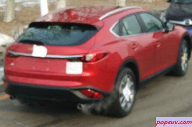 Hình ảnh chụp lén trước đó của Mazda CX-4.