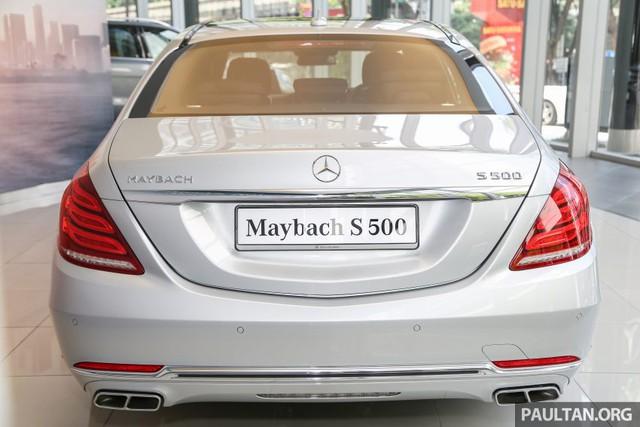 Cụ thể, Mercedes-Maybach S500 sở hữu chiều dài tổng thể 5.453 mm, rộng 1.899 mm, cao 1.498 mm và chiều dài cơ sở 3.365 mm. Trọng lượng của mẫu xe siêu sang này là 2.220 kg.