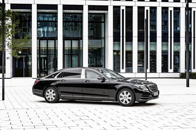 Chưa hết, cấu trúc của Mercedes-Maybach S600 Guard còn có hệ thống che phủ vùng nguy hiểm trên thân xe như đoạn ghép các vật liệu khác nhau hoặc khe hở. Do đó, ngoài VR10, Mercedes-Maybach S600 Guard còn có chứng nhận ERV 2010 dành cho xe chống các thiết bị nổ.
