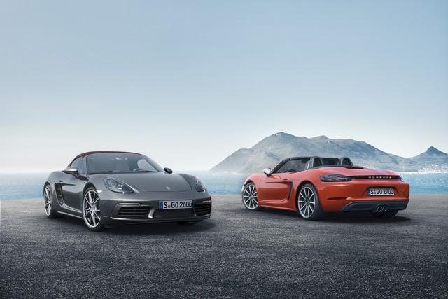 Hãng Porsche đã chính thức giới thiệu mẫu xe thể thao 718 Boxster mới với thị trường. Thực chất, đây là phiên bản mới và đổi tên của dòng Porsche Boxster quen thuộc.
