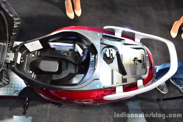 Hãng Suzuki khẳng định, Access 125 là mẫu xe ga có yên dài nhất và cốp xe lớn nhất trong phân khúc tại thị trường Ấn Độ.