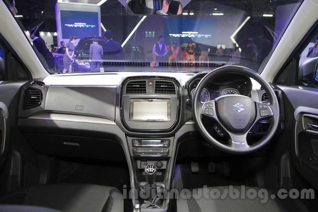 Theo liên doanh Maruti Suzuki, Vitara Brezza có 6 bản trang bị khác nhau. Xe có một số trang thiết bị nổi bật như hệ thống chống bó cứng phanh ABS, phân bổ lực phanh điện tử EBD, 2 túi khí trước tiêu chuẩn trên bản Z và tùy chọn trên bản L cũng như V.