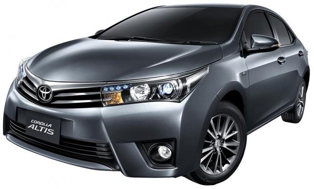 Toyota Corolla Altis phiên bản mới dành cho thị trường Thái Lan đã bất ngờ ra mắt. Bước sang phiên bản mới, Toyota Corolla Altis đi kèm nội thất cải tiến, nhiều trang thiết bị hơn và thay đổi trong cả hệ dẫn động.