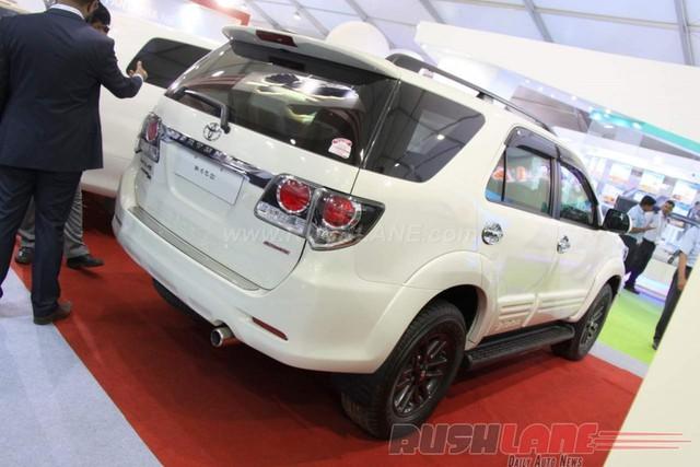 Toyota Fortuner bọc thép là sản phẩm của một công ty có tên Minerva Special Purpose Vehicles (MSPV), đặt trụ sở tại Nasik, Ấn Độ. Đây là công ty chuyên bọc thép cho xe để dùng trong những cuộc bạo loạn.