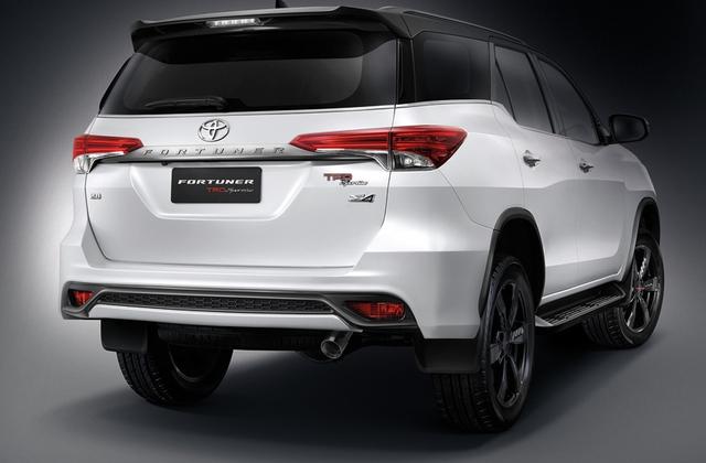 Vào giữa tháng 7/2015, hãng Toyota đã chính thức giới thiệu Fortuner thế hệ mới tại thị trường Thái Lan. Đến nay, hãng Toyota tiếp tục ra mắt phiên bản TRD Sportivo thể thao hơn của mẫu SUV cỡ trung Fortuner thế hệ mới tại xứ sở chùa tháp.