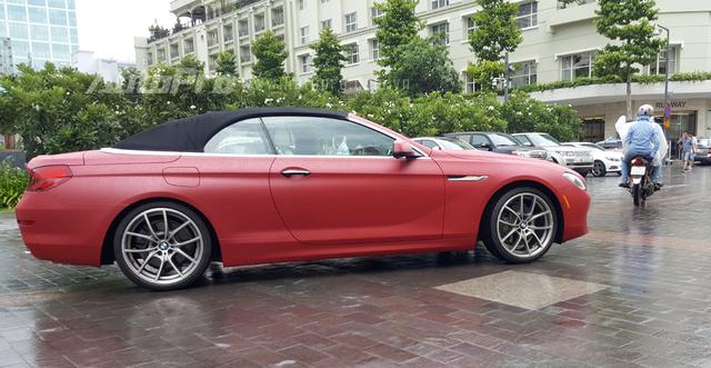 Tại thị trường Việt Nam, BMW 650i Convertible có giá bán 5 tỷ Đồng và đây được xem là chiếc xe thể thao bèo nhất trong bộ sưu tập xe của tay chơi 8X.