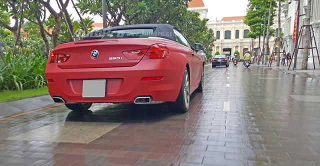 Được biết đây chính là chiếc 650i mui trần thuộc sở hữu của tay chơi 8X Phan Thành đang nổi đình đám trong giới chơi xe Việt khoảng một năm trở lại đây.