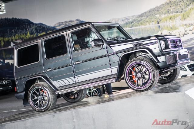 Mercedes-Benz G63 AMG Edition 463 phiên bản nâng cấp với cách trưng bày ấn tượng giữa sân khấu.