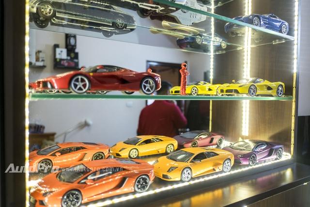 Bộ sưu tập những chiếc xe hiện đại của Huy tuy không hoành tráng nhưng vừa đủ để thoả mãn đam mê của một cậu học sinh 17 tuổi.