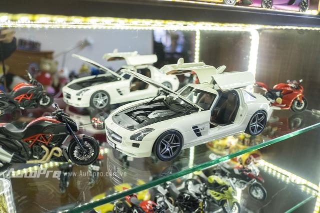 Ngoài ra còn có một chiếc Mercedes-Benz SLS của Classixx có giá khoảng 12 triệu cũng rất được Huy yêu thích.
