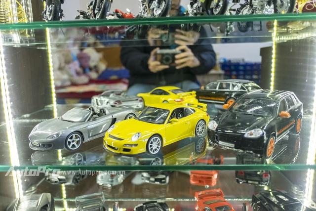 Mô hình tĩnh của những mẫu xe tiền tỉ của hãng xe thể thao hạng sang Porsche.
