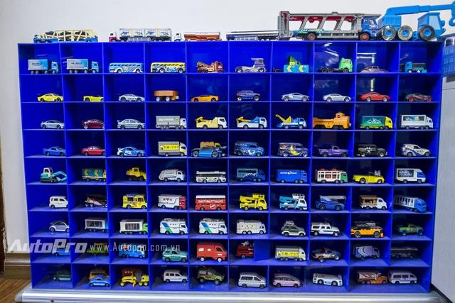 Bộ sưu tập hơn 150 mẫu xe mô hình cổ được sản xuất từ những năm 90 của thế kỷ trước.