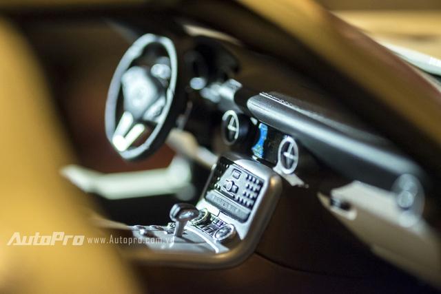 Các chi tiết bên trong không gian nội hất xe được làm chi tiết tới từng nút bấm.