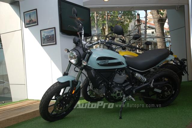 Mức giá dành cho Ducati Scrambler Sixty2 được phân phối chính hãng tại Việt Nam là 280 triệu Đồng, rẻ hơn 20 triệu Đồng so với phiên bản 800 phân khối.