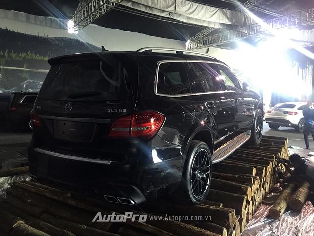 Mức giá của Mercedes-Benz GLS 63 AMG là 8,43 tỷ Đồng.