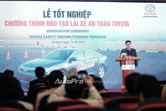 Thứ trưởng Bộ Công An, ông Bùi Văn Thành, phát biểu tại buổi lễ.