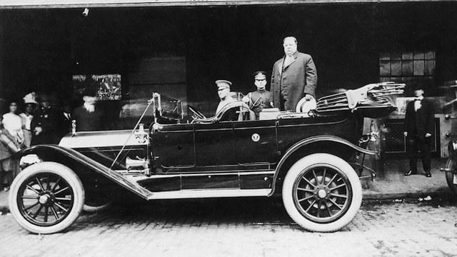 Tổng thống William Howard Taft và chiếc Pierce Arrow