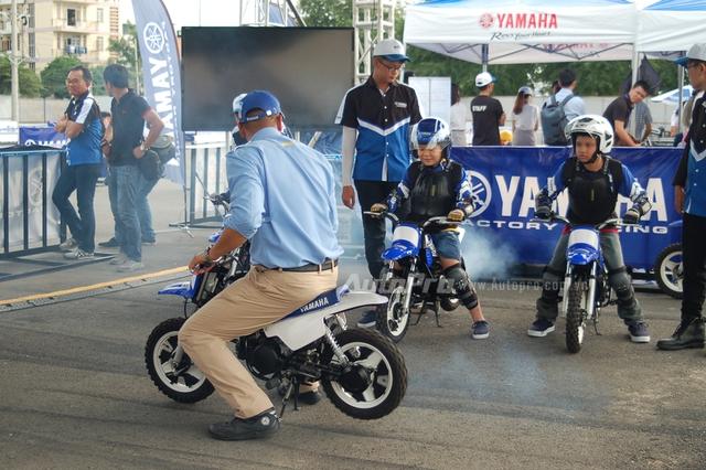 Đến với ngày hội, các biker nhí có độ tuổi từ 6 đến 12 tuổi, còn được trang bị các thông tin cơ bản về luật lệ giao thông, ngoài ra, còn được các chuyên gia hướng dẫn lái thử xe mini 50 phân khối PW50.