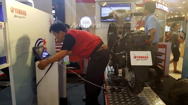 """Kết hợp với ngày hội Y-Motor Sport 2016 diễn ra lần đầu tại TP.HCM, Yamaha Việt Nam còn tổ chức """"Hội thi kỹ thuật viên chuyên nghiệp toàn quốc – National Technician Gran Prix"""", nhằm tìm ra ứng viên sáng giá tham dự tại ngày hội Yamaha World Technician Grand Prix2016 (WTGP) diễn ra tại Nhật Bản vào ngày 12/10/2016."""