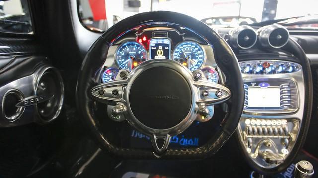 """Trái tim"""" của siêu xe Pagani Huayra là khối động cơ V12 Biturbo, dung tích 6.0 lít tiêu chuẩn do Mercedes-AMG sản xuất."""