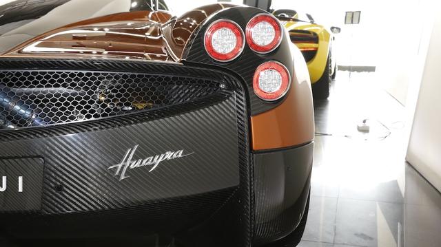 Tuy nhiên, tại Việt Nam, người có đủ đam mê và tài chính để đưa một chiếc siêu xe 78 tỷ Đồng như Pagani Huayra về nước thì chỉ có mỗi đại gia Minh Nhựa.