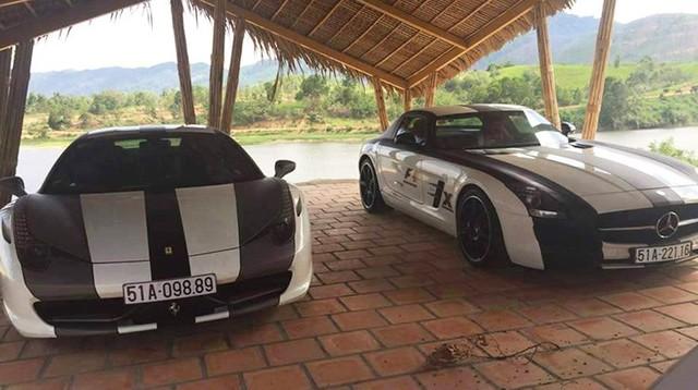 Bộ đôi siêu xe Ferrari 458 Italia và Mercedes-Benz SLS AMG tông xuyệt tông.