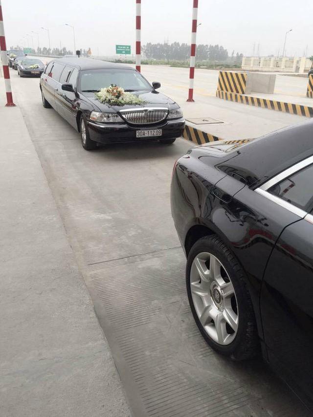 Lincoln Limousine có chiều dài khủng 8,5 m, thường được các công ty sự kiện nhập về nước và cho thuê rước dâu.